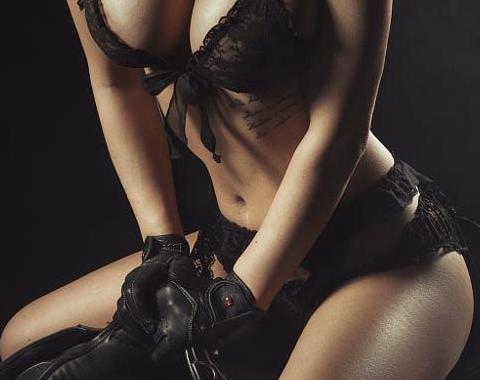 Velvet mistress 1